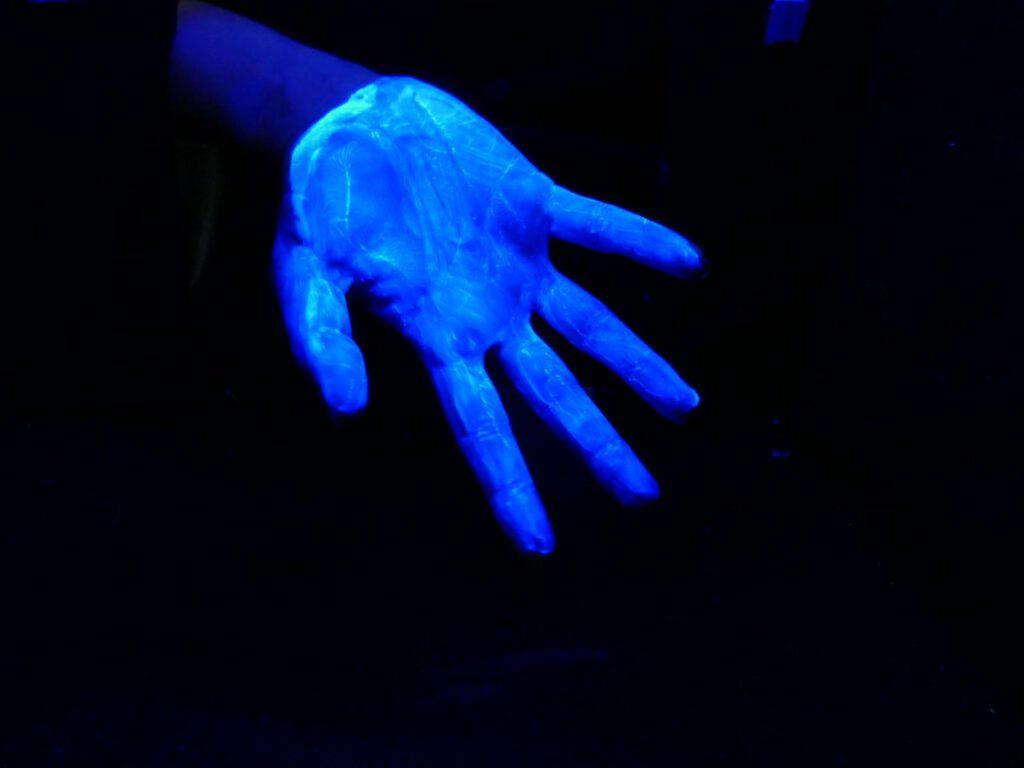 leuchtende Hand